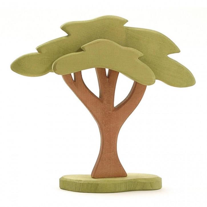 Steppenbaum mit Stütze