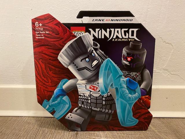 LEGO Ninjago Battle Set: Zane vs. Nindroid